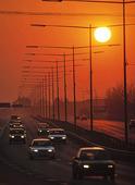 Motorväg i solljus