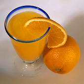 Apelsinjuice i glas