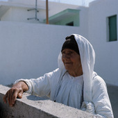 Äldre kvinna i Grekland