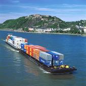 Containerbåt på Rhen, Tyskland