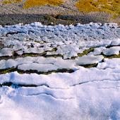 Is på klippa