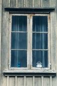 Klocka i fönster
