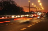 Kvällstrafik på motortrafikled
