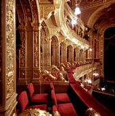 Operahuset i Budapest, Ungern