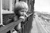 Pojke på balkong
