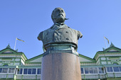 Staty av Oskar II på Martrand, Bohuslän