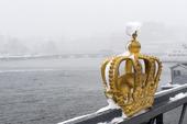 Kronan på Skeppsholmsbron, Stockholm