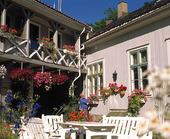Villa med trädgård