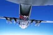 Hopp från flygplan