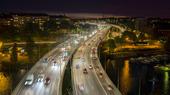Kvällstarfik på trafikled i Stockholm