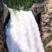 Lower Falls i Yellowstonefloden, USA