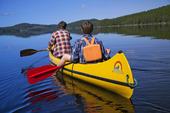 Paddla kanot i sjö