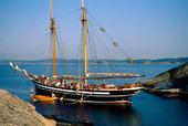 Skolskepp i naturhamn