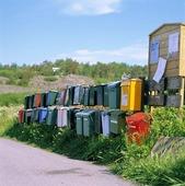 Postlådor och äldre svensk brevlåda