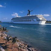 Kryssningsfartyg vid Miami, USA
