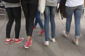Unga tjejer på stan