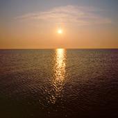 Solnedgång i havet