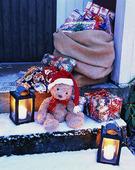 Julklappar på utetrappa