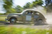 Veteranbil Volvo PV i full fart