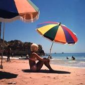 Kvinna på strand, 60-talet
