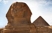 Sphinx och Pyramid