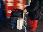 Resenär på flygplats