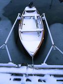 Fritidsbåt med snö
