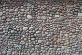 Stenmur av natursten