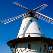 Vit väderkvarn på Bornholm, Danmark