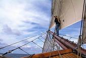 Kvinna på segelfartyg