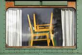 Stolar i fönster