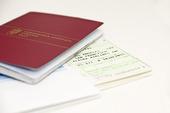 Pass och flygbiljetter