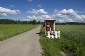 Busshållplats på landet